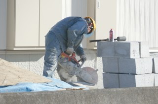 乾燥を防ぎ、十分な強度を持ったコンクリート養生マット